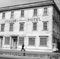 Image of Old Italia Hotel in Fort Bragg