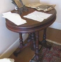 Image of 2007-21-004 - Furniture