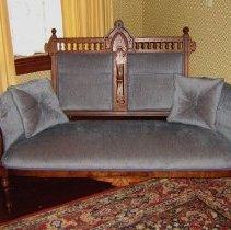Image of 2010-20-01 - Furniture