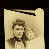 Image of Lizzie and Sadie Milliken