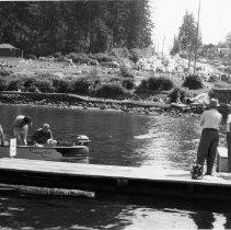 Image of 0326 - Dock foot of Rockcliff, boat rentals, restroom, boats