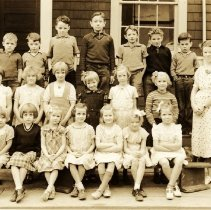 Image of 0152 - Roche Point School class photo, 1938