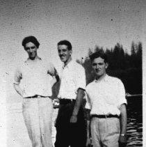 Image of 0208 - Regatta frolickers, 3 men