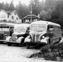 Image of 0819 - Deep Cove Stage buses - 0819 - DC Stage buses on DC Road c1946