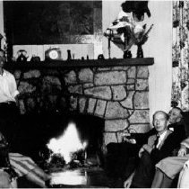 Image of 0668 - Quarries Lodge, Art George with guests c1930s