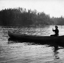 Image of 0743 - Mrs Arthur Irish Jr canoeing in DC 1912