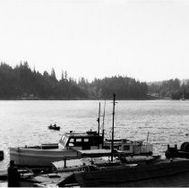 Image of 0635 - Boats in Deep Cove
