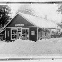 Image of 0576 - Stirrat General Store heavy snowfall 1946