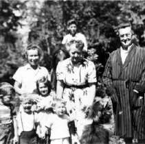 Image of Cove Cliff 1948, group photo