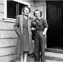 Image of Fradena Eaton & Ethel Allardice