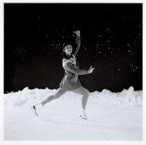 Image of Shannon Oksanen - Spins