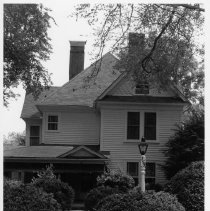 Image of Hubbard-Harris House - Hubbard-Harris House, 219 Surry Ave., Elkin.  For more information see SIMPLE TREASURES page 103 and state record 600.