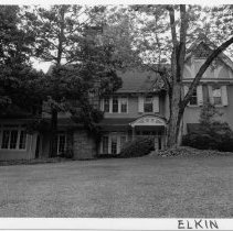 Image of Richard Gwyn Smith House - Richard Gwyn Smith House, 151 Gwyn Ave., Elkin.  For more information, see SIMPLE TREASURES PAGE 96 and state record 582.