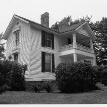 Image of Swanson House - W. J. Swanson House, 103 Stephens Street, Pilot Mountain, North Carolina