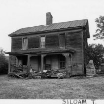 Image of Holder-Shore House - Holder-Shore House, SR 2080, Siloam.  Abandoned farmhouse built in 1870s or 1880s.  For more information see SIMPLE TREASURES 243 and state record 180.