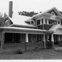 Image of J.A. Somers House - J. A. Somers House, 305 North Bridge Street, Elkin, built in the 1920s.  For more information, see SIMPLE TREASURES page 91 and State Record 578.