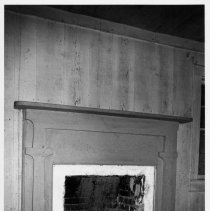 Image of Mantel, Hauser House, Shoals