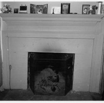 Image of Mantel - Mantel, Isaac Copeland House, built late 18th century, SR 2209, Copeland vicinity, Eldora Township.  For more information see SIMPLE TREASURES pages 13 and 85, and State Record 242.