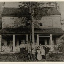 Image of Edwards-Franklin-McMickle House - Edwards-Franklin-McMickle House about 1912, with several members of the family in front of the house.  Back row: *Bradley McMickle, James Blevins, Laura McMickle Blevins, *Earl McMickle, *Stella McMickle, *Gordy McMickle.  Front row: Jamie McMickle, Eugene McMickle, Augusta Melton McMickle, Gertrude McMickle, Alma McMickle. (Those marked with * are children of Eugene by a first wife, Flora A. Pfaff.)