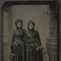 Image of Linnie Hurlbut and Carrie Towle