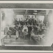 Image of MIshawaka Woolen Mfg Employees