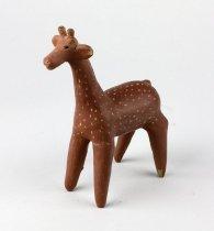 Image of Artist Unknown - Speckled Giraffe Figure
