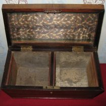 Image of Tea caddy - compartments open