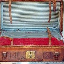 Image of Tolmie valise - interior