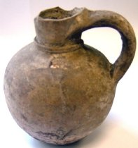 Image of Unglazed ceramic jug of unknown date from the Catacombs of Rome
