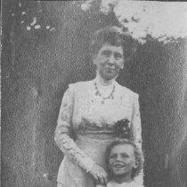 Image of Georgina Jones and David Farquhar - undated