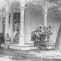 Image of Senator Jones' Family Members at his Residence in Nevada - undated