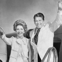 Image of Governor Ronald Reagan and Nancy Reagan - 1980/04/02