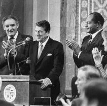 Image of President-elect Ronald Reagan, Nancy Reagan and Mayor Tom Bradley - 1981/01/13