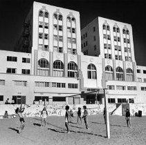 Image of Sea Castle Apartments - 1980/02/13