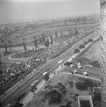 Image of Vietnam War Protestors Awaiting the Arrival of President Johnson in Century City - 1967/06/24