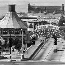 Image of Santa Monica Pier - undated