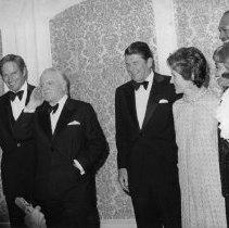 Image of Governor Ronald Reagan, Nancy Reagan, Charlton Heston and James Cagney - 1974/03/14