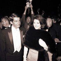 Image of George Hamilton and Lynda Bird Johnson at the Academy Awards - 1966/04/18