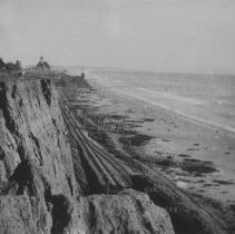 Image of Palisades Park Looking South to Arcadia Hotel, with Train Tracks - undated