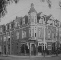 Image of Santa Monica Bank, Oregon Avenue and Third Street - undated