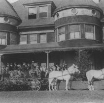 Image of Jones Family and Guests with Horse-Drawn Carridge at Miramar - undated