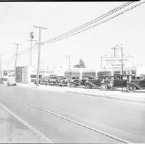 Image of Goodrum and Vincent Used Car Lot - 1935/09/00