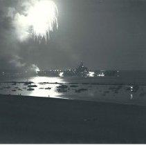 Image of Fireworks in Santa Monica Bay, 1949 - 1949/07/04