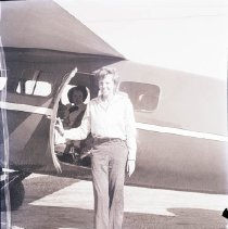Image of Amelia Earhart at Clover Field - 1936/08/05