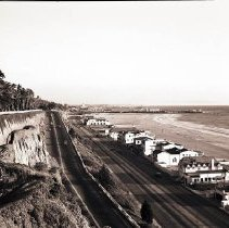 Image of Palisades Park Bluffs, California Incline, Pacific Coast Highway and Beachfront Homes - 1945/12/01