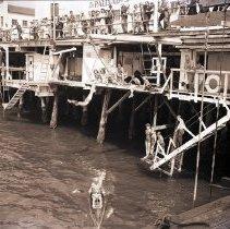 Image of Crowd at Santa Monica Pier, 1944 - 1944/08/06