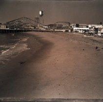 Image of Beach Erosion, 1937 - 1937/12/17
