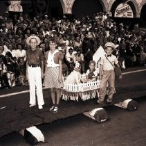 Image of Junior Mardi Gras Parade, 1941 - 1941/08/15