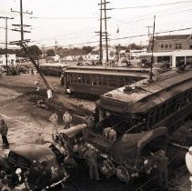 Image of Street Car Accident at Venice and Lincoln Boulevards - 1942/03/23