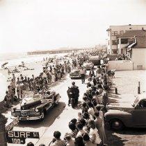 Image of Parade on the Promenade in Santa Monica, 1944 - 1944/06/11